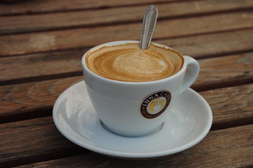 Ez lehetett talán a 100. kávénk Albániában, tökéletes, mint mindig