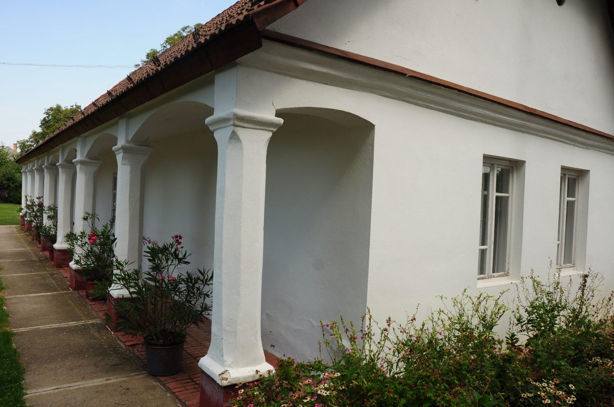 Falusi ház Bőcs közepén