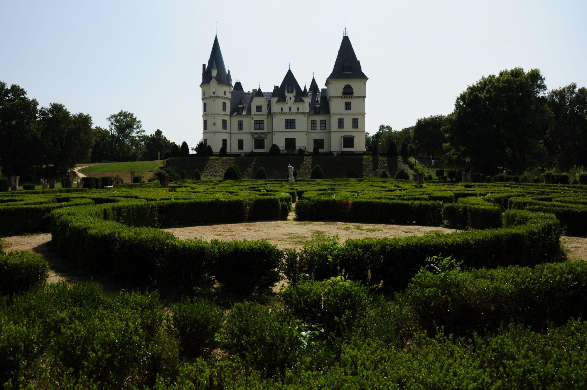 Az Andrássy-kastély és parkja