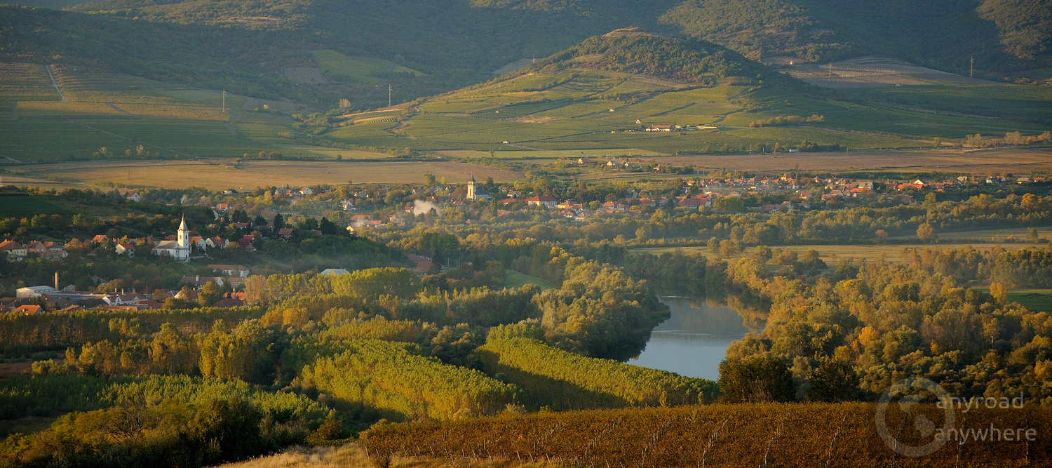Two villages (Bodrogkeresztúr and Bodrogkisfalud) with their vineyards by the River Bodrog