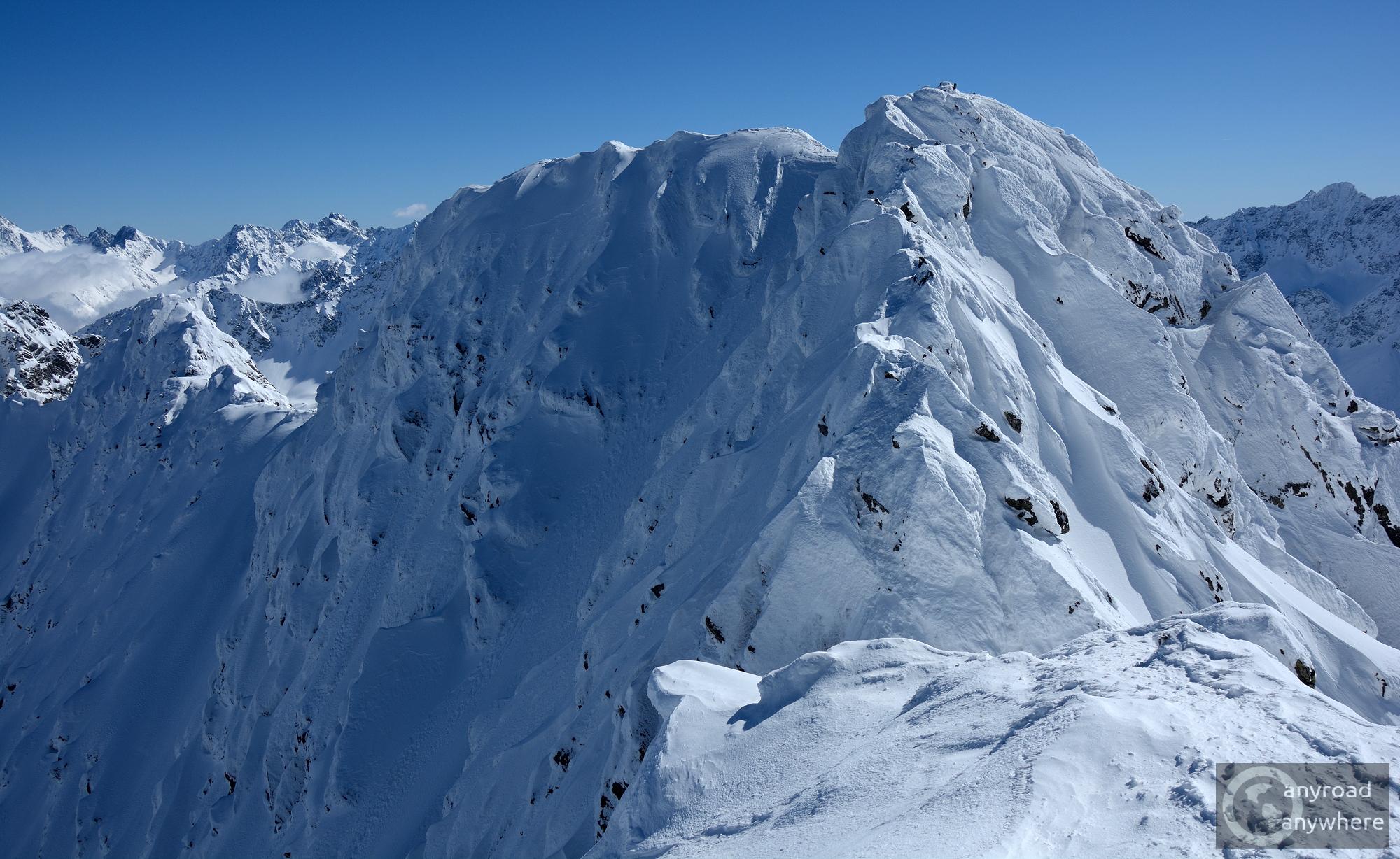 A Zawrat (2172 m), ahol a híres Sas-út kezdődik. Télen nem ajánlott!